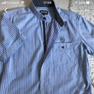ピーピーエフエム(PPFM)のデザインシャツ(シャツ)