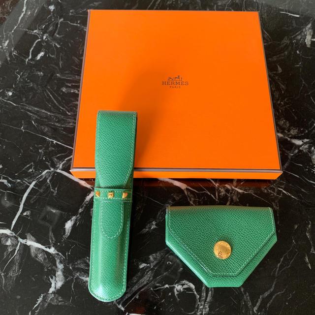 Hermes(エルメス)のHERMES コインケースとペンケース お揃いのグリーン メンズのファッション小物(コインケース/小銭入れ)の商品写真
