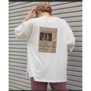 ジャーナルスタンダード(JOURNAL STANDARD)の2020SS 新品タグ付きフォトプリントBIGスリットTシャツ(Tシャツ(半袖/袖なし))