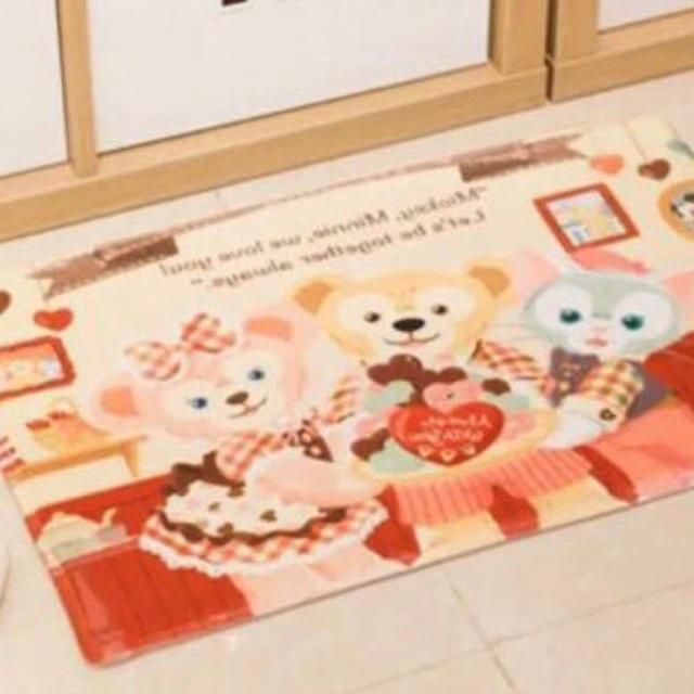 Disney(ディズニー)の日本未発売 ステラルー   ダッフィー    マット キッチンマット 玄関マット インテリア/住まい/日用品のラグ/カーペット/マット(玄関マット)の商品写真