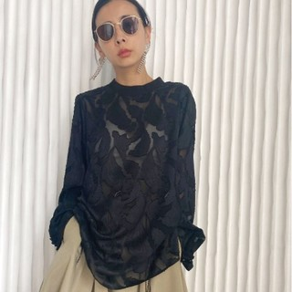 Ameri VINTAGE - HAOKAN BACK RIBBON BLOUSE