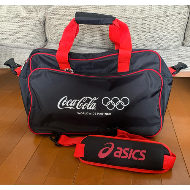 コカ・コーラ(コカコーラ)の【アシックス】スポーツバッグ コカコーラオリンピック  エンタメ/ホビーのコレクション(ノベルティグッズ)の商品写真
