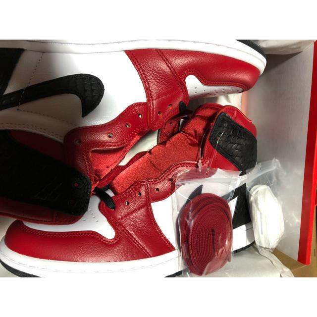 NIKE(ナイキ)の25 WMNS AIR JORDAN 1 OG SATIN RED サテンレッド レディースの靴/シューズ(スニーカー)の商品写真