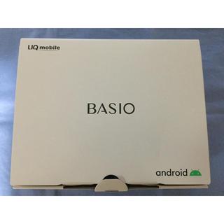 キョウセラ(京セラ)のBASIO4 シャンパンゴールド UQ版(スマートフォン本体)