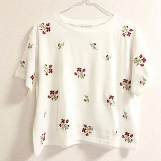 イーハイフンワールドギャラリー(E hyphen world gallery)の花柄◎刺繍Tシャツ(Tシャツ(半袖/袖なし))