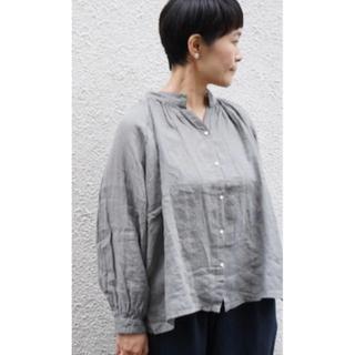 nest Robe - ARTE POVERA リネン染め ギャザーリングシャツ グレー