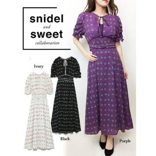 snidel - snidel sweetコラボ 小花柄ワンピース