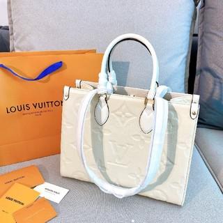 LOUIS VUITTON - 新品   LOUIS VUITTON   ルイ ヴィトン    トートバック