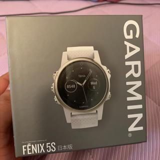 ガーミン(GARMIN)のgarmin fenix5s sapphire white(腕時計(デジタル))