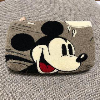 ディズニー(Disney)の〈中古美品〉ミッキー ビック ポーチ クラッチ(ポーチ)
