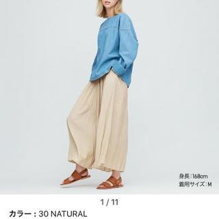 UNIQLO - ユニクロ ワッシャーサテンスカートパンツ ナチュラル M
