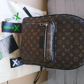 LOUIS VUITTON - LOUIS VUITTONバックパック