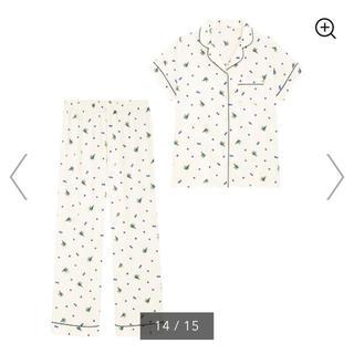 GU - サテンパジャマ(半袖)(ブルーベリー) ホワイト Mサイズ 新品未使用