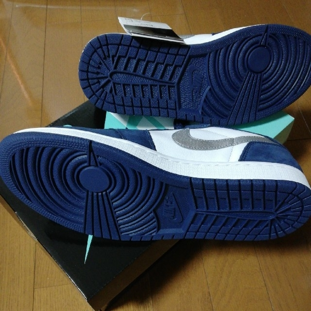 NIKE(ナイキ)のNIKE SB AIR JORDAN 1LOW QS AlRJORDAN   メンズの靴/シューズ(スニーカー)の商品写真