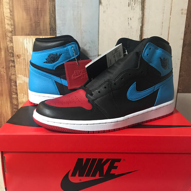 NIKE(ナイキ)のジョーダンマニア様専用WMNS AIR JORDAN 1 HIGH OG UNC メンズの靴/シューズ(スニーカー)の商品写真