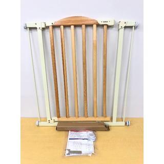 カトージ(KATOJI)のKATOJI カトージ 自動で閉まる木のゲート 欠品無し 説明書付き(ベビーフェンス/ゲート)