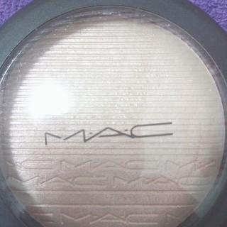 マック(MAC)のMACエクストラディメンションスキンフィニッシュショーゴールド(フェイスパウダー)