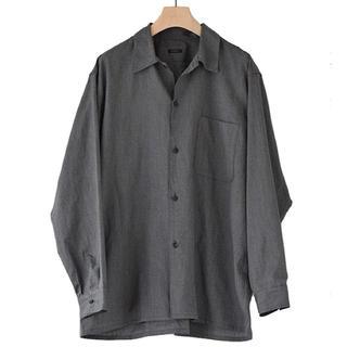 コモリ(COMOLI)のヨリ杢オープンカラーシャツ サイズ3(シャツ)