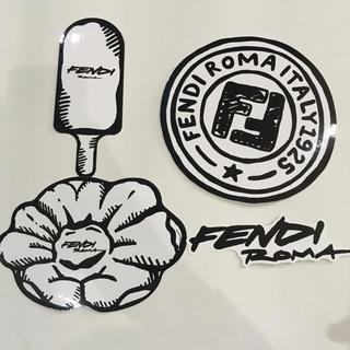 フェンディ(FENDI)のカリフォルニア スカイ フェンディ  FENDI ステッカー 4枚(ノベルティグッズ)