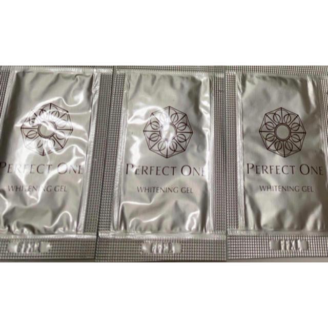 PERFECT ONE(パーフェクトワン)のパーフェクトワン 薬用ホワイトニングジェル 美容液ジェル 1.3g 3包  コスメ/美容のスキンケア/基礎化粧品(オールインワン化粧品)の商品写真