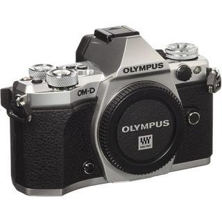 OLYMPUS ミラーレス一眼カメラ E-M5 MarkIIBody SLV