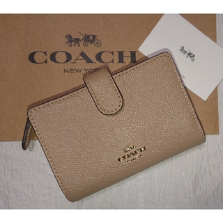 COACH - ラスト1点入荷❗大人気色❗コーチ二つ折り財布   春モデル  トープ