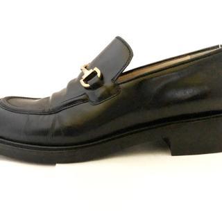 グッチ(Gucci)のグッチ ローファー 38 レディース - 黒(ローファー/革靴)