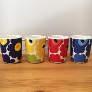 マリメッコ(marimekko)のマリメッコ マグカップ ウニッコ 4個セット【新品】(グラス/カップ)