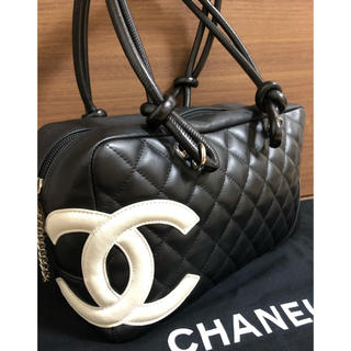 CHANEL - 【本日限定お値下げ】美品 正規品CHANEL シャネル  カンボンラインバッグ