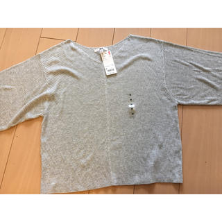 ユニクロ(UNIQLO)のユニクロ リブドルマンVネックセーター Mサイズ 新品未使用(カットソー(長袖/七分))