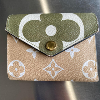 LOUIS VUITTON - 折りたたみ財布