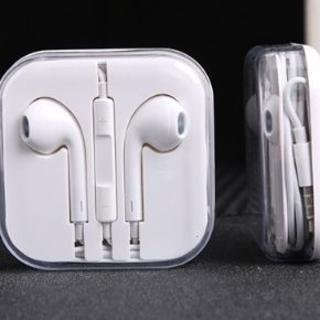 アイフォーン(iPhone)の純正品質iPhoneイヤホンマイク(ヘッドフォン/イヤフォン)