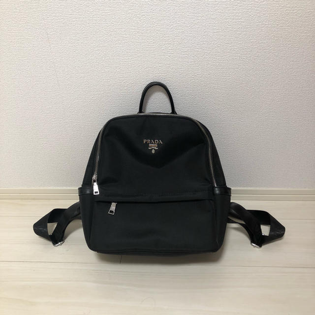 PRADA(プラダ)のリュック 黒 レディースのバッグ(リュック/バックパック)の商品写真