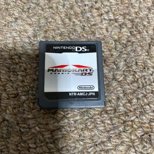 ニンテンドーDS(ニンテンドーDS)のマリオカート DS エンタメ/ホビーのゲームソフト/ゲーム機本体(携帯用ゲームソフト)の商品写真