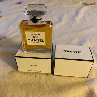 CHANEL -  N°5CHANEL大人の香水!