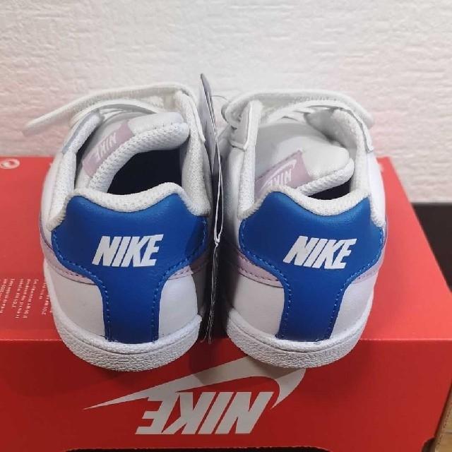 NIKE(ナイキ)の新品未使用 NIKE コートロイヤル 15 キッズ/ベビー/マタニティのキッズ靴/シューズ(15cm~)(スニーカー)の商品写真