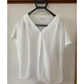 アースミュージックアンドエコロジー(earth music & ecology)のホワイトカットソー(Tシャツ/カットソー(半袖/袖なし))