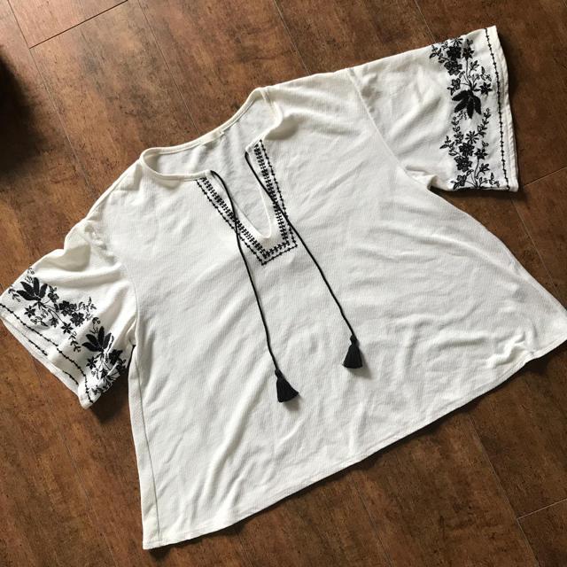 GU(ジーユー)のGU カットソー レディースのトップス(Tシャツ(半袖/袖なし))の商品写真
