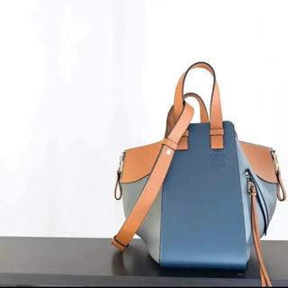 ロエベ(LOEWE)のLOEWE ハンモック スチールブルー タン バイカラー 正規品 (ハンドバッグ)