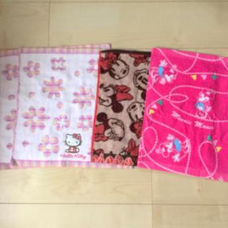 ディズニー(Disney)のタオル 女の子 ピンク ミニー キティー ❤︎ お手拭きタオル ハンドタオル(その他)