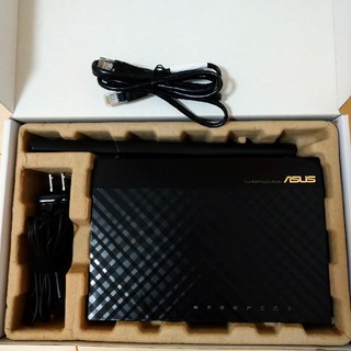 エイスース(ASUS)のASUS RT-AC67U 無線LANルーター 1台(PC周辺機器)