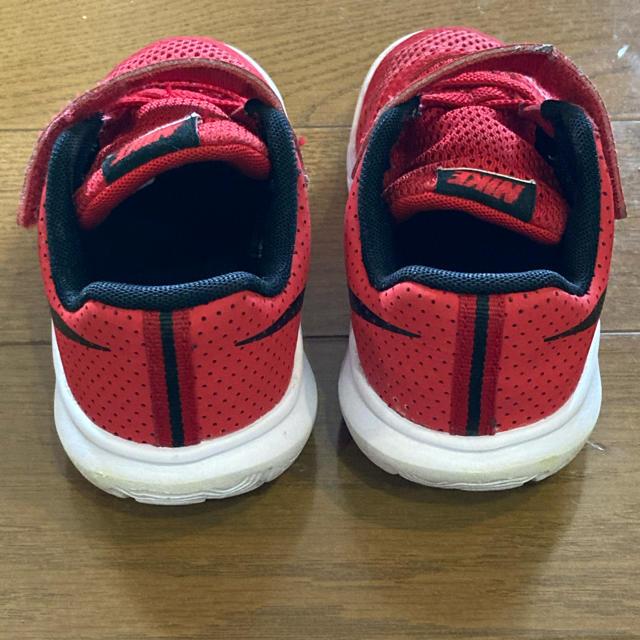 NIKE(ナイキ)のNIKE ナイキ スニーカー 15cm キッズ/ベビー/マタニティのキッズ靴/シューズ(15cm~)(スニーカー)の商品写真