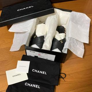 シャネル(CHANEL)のCHANEL シャネル フラットサンダル ブラック 37(サンダル)