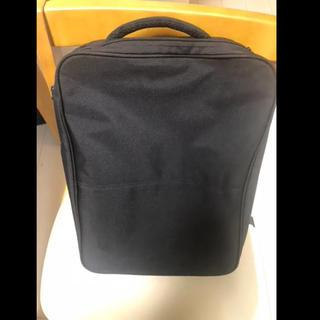 ユニクロ(UNIQLO)のビジネス用のリュック兼手提げバッグ(ビジネスバッグ)