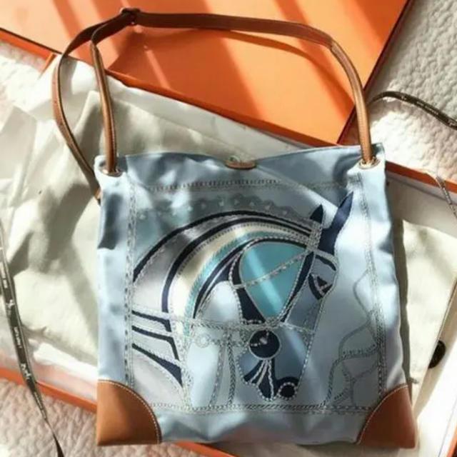 Hermes(エルメス)のHERMES  シルキーシティ   PM ローヴ  デュ ソワール レディースのバッグ(ショルダーバッグ)の商品写真