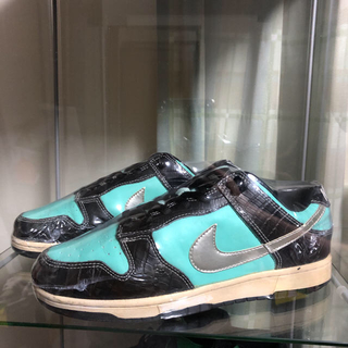 NIKE - dunk sb diamond supply