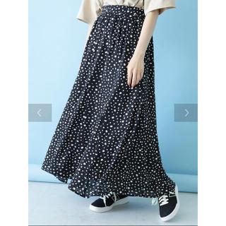 綺麗フレアスカート ドット柄