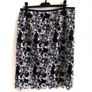 ローズティアラ スカート サイズ46 XL美品