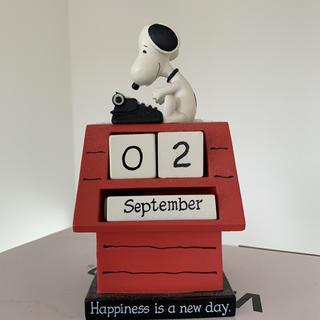 スヌーピー(SNOOPY)のスヌーピー カレンダー 置物(カレンダー/スケジュール)
