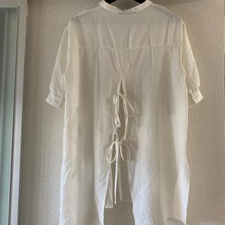 ダブルクローゼット(w closet)のバンドネック後ろリボン半袖プルオーバー(シャツ/ブラウス(半袖/袖なし))
